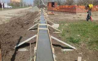 Фундамент для забора: виды и марки бетона, глубина столбчатого и сборного основания