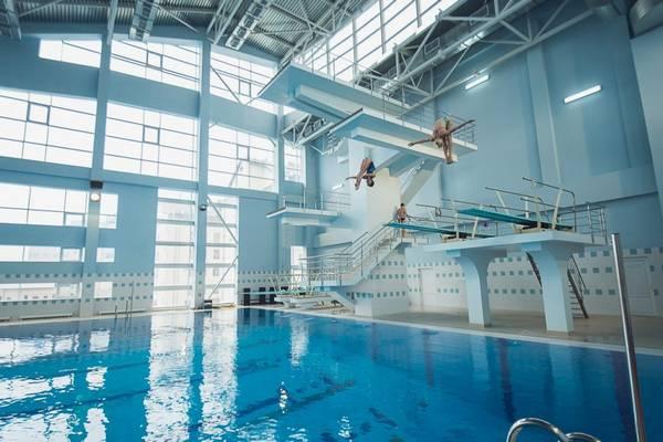 Устройство бассейна для прыжков в воду