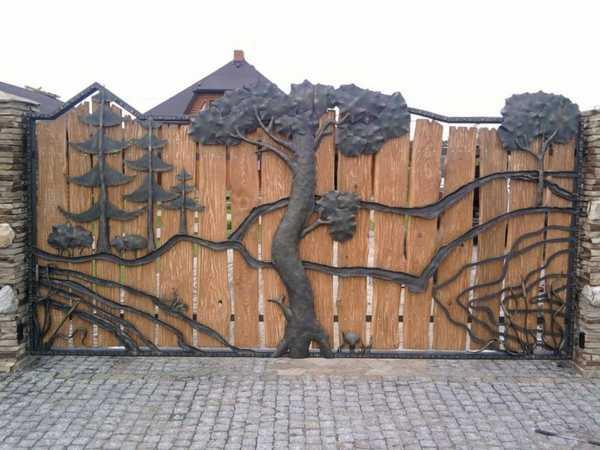 Ковка на деревянном полотне