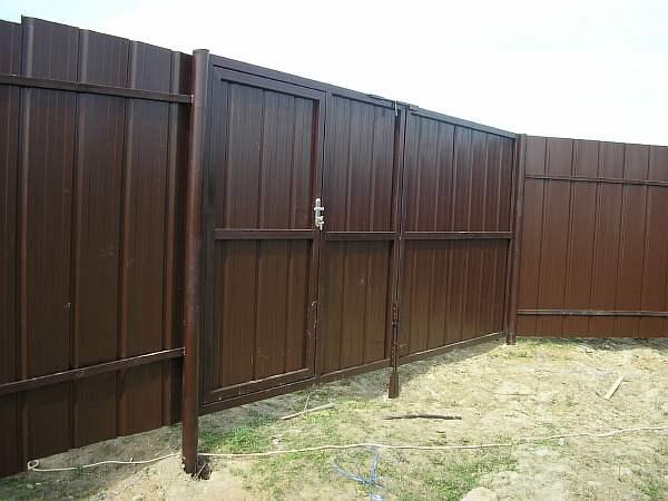 Забор и ворота на даче