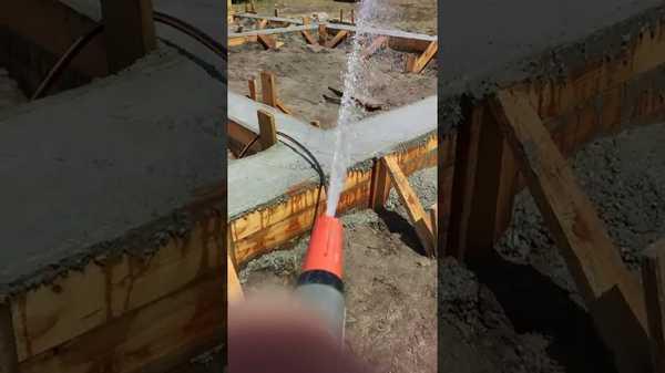 Обработка водой основания