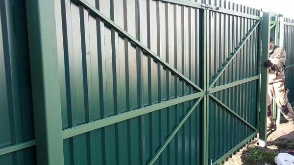 Ворота из профильной трубы своими руками