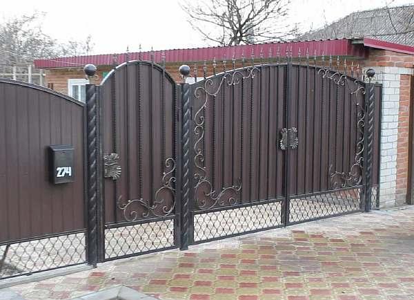 На воротах