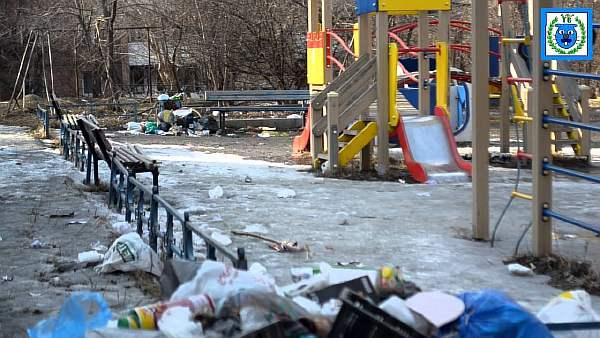 Расстояние от мусорных контейнеров до детской площадки